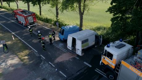 Czołowe zderzenie 2 busów. 4 osoby trafiły do szpitala
