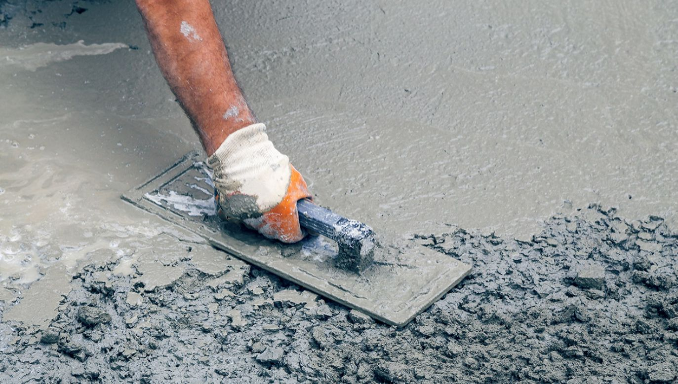 Nad drukarką do betonu pracuje zespół z Wydziału Inżynierii Mechanicznej i Mechatroniki oraz Wydziału Budownictwa i Architektury Zachodniopomorskiego Uniwersytetu Technologicznego w Szczecinie (fot. Shutterstock/serato)