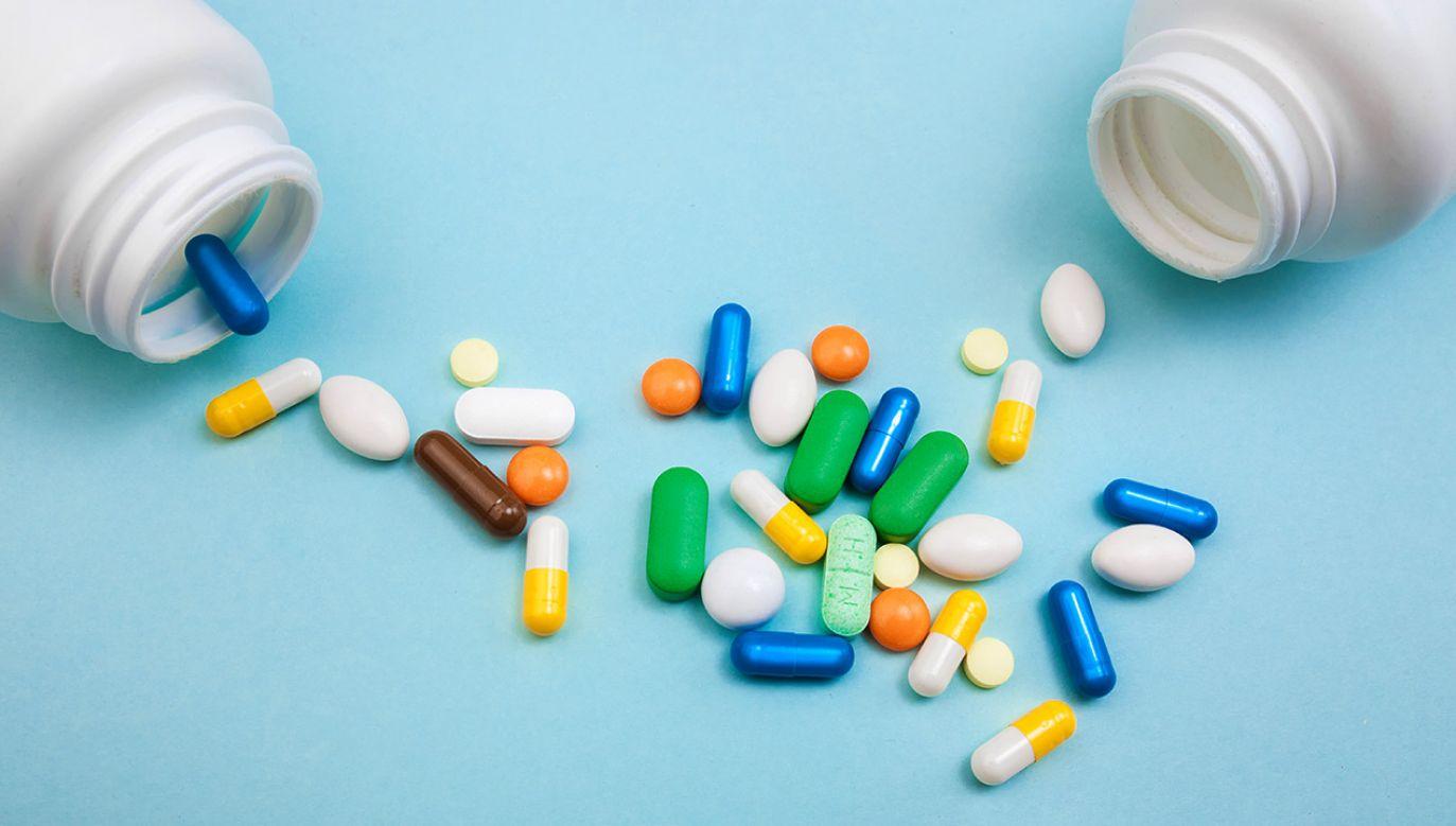 Przedmiotem obrotu były m.in. leki onkologiczne, przeciwzakrzepowe i przeciwcukrzycowe (fot. Shutterstock/Shopping King Louie, zdjęcie ilustracyjne)