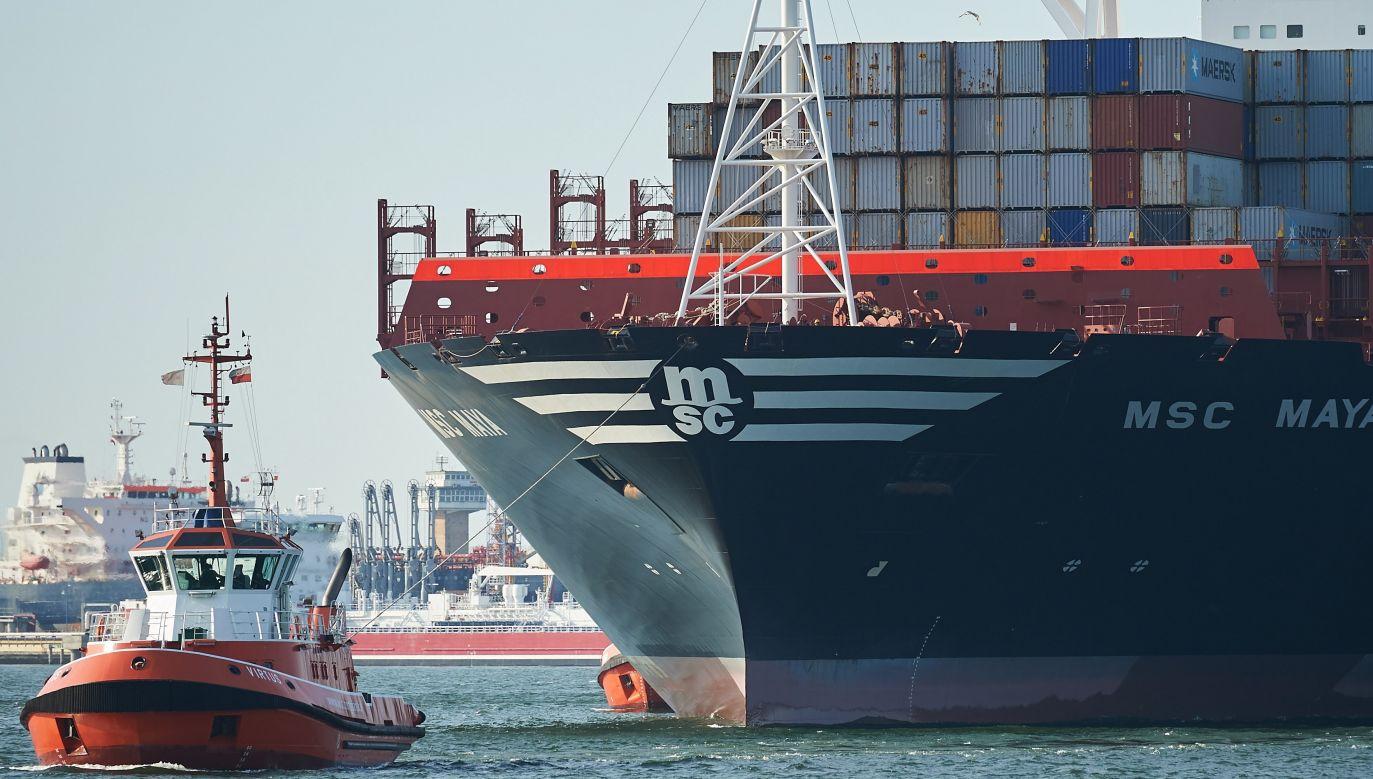 S Authorities seeking to bring ships back under Polish flag