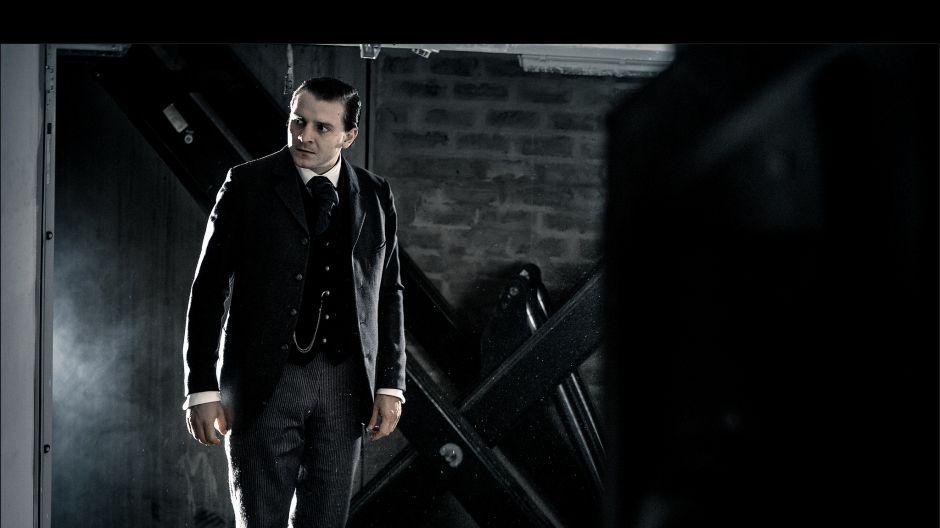 W rolę wachmistrza o niechlubnej reputacji i bogatej przeszłości, wcielił się Szymon Piotr Warszawski (fot. J. Sosinski/TVP)