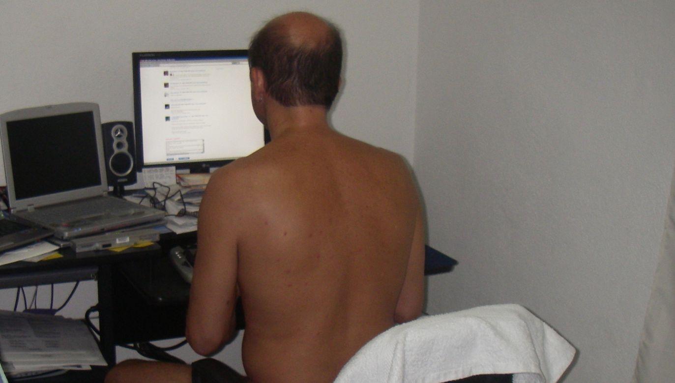 Brytyjczycy pracujący zdalnie przyznają, że nie zmieniają piżamy na ubranie służbowe (fot.flickr.com/total_witch_1)