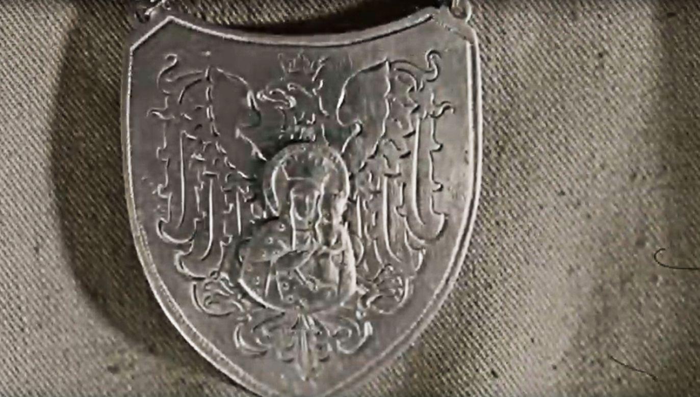 Kiedy znaleziono przedmiot nikt nie wiedział, jaką historyczną treść ze sobą niesie (fot. YT/  Festiwal Filmowy NNW)