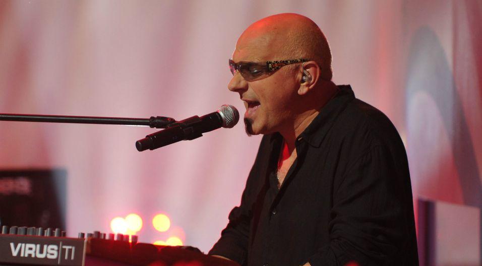 """Piosenką, którą zawsze z zespołem śpiewa cała publiczność, jest """"Przeżyj to sam"""" (fot. Natasza Młudzik/TVP)"""
