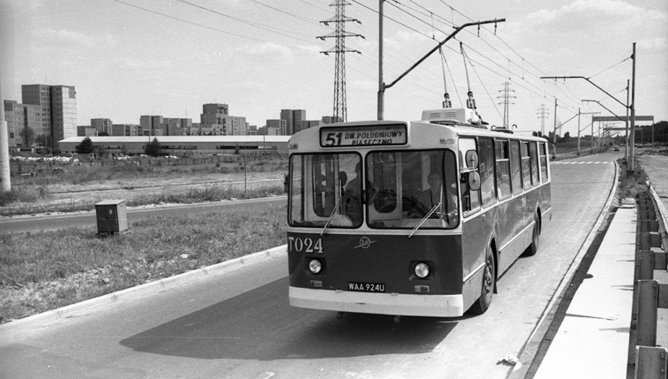 Trolejbusy były szybkie, kursowały często i zapewniały nietypowe atrakcje (fot. arch.PAP/Longin Wawrynkiewicz)