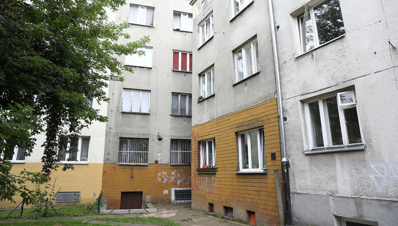 Kamienica przy ul. Marymonckiej 49 na Bielanach w Warszawie (fot. PAP/Rafał Guz)