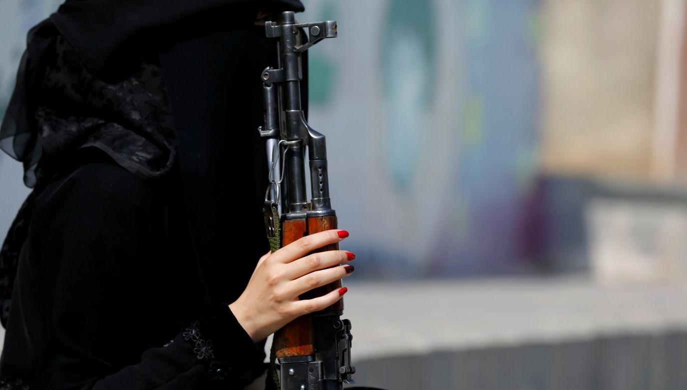 """Redukowanie kobiet do """"oblubienic islamu"""" to spojrzenie dawno już nieaktualne (fot. REUTERS/Khaled Abdullah)"""