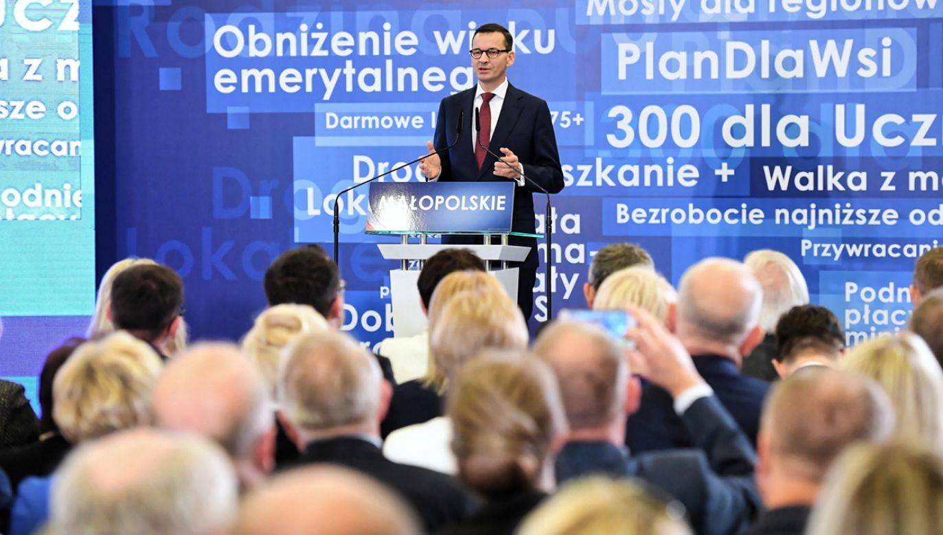 Morawiecki wskazywał, że w 15 na 16 województw od ponad dekady rządzi koalicja PO-PSL (fot. PAP/Jacek Bednarczyk)