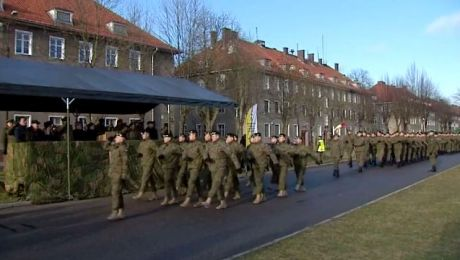 Żołnierze wrócili z misji. Czekali na nich najbliżsi