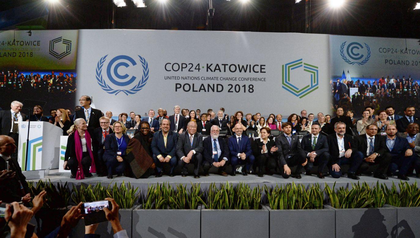Uczestnicy szczytu podczas zamknięcia Szczytu Klimatycznego ONZ COP24 w Katowicach (fot. PAP/Marek Zimny)