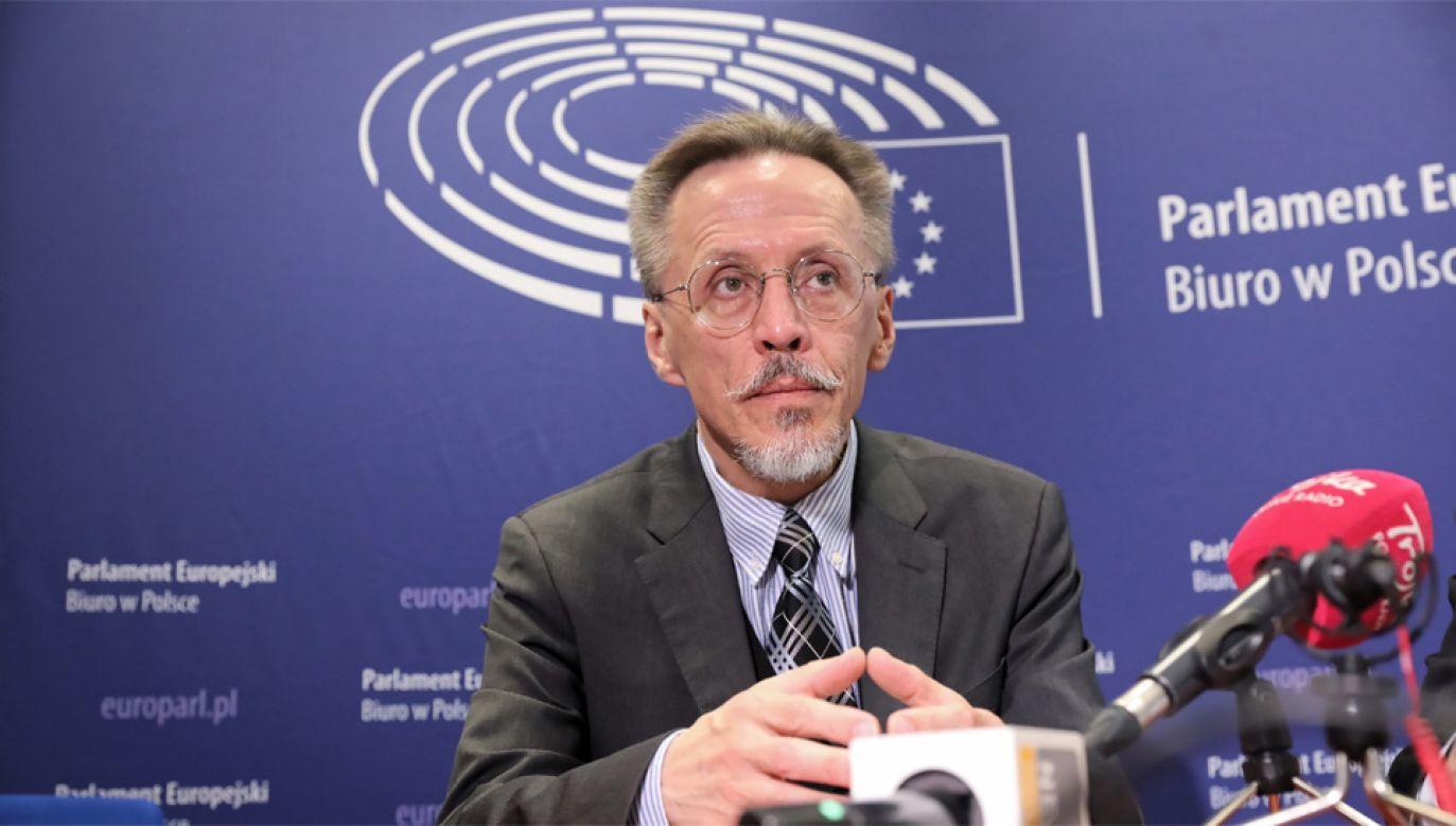 Dyrektor zespołu kontroli finansowania partii politycznych i kampanii wyborczych KBW Krzysztof Lorentz (fot. PAP/Tomasz Gzell)