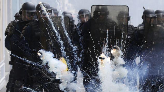 W stolicy zmobilizowano do pilnowania spokoju ponad 1,5 tys. policjantów (fot. PAP/EPA/ETIENNE LAURENT)