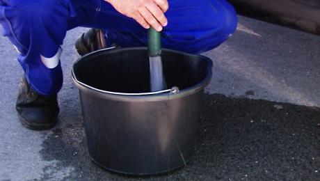 Do czasu oczyszczenia wodociągu mieszkańcom będzie dowożona woda beczkowozami (fot. arch. TVP3 Kraków)