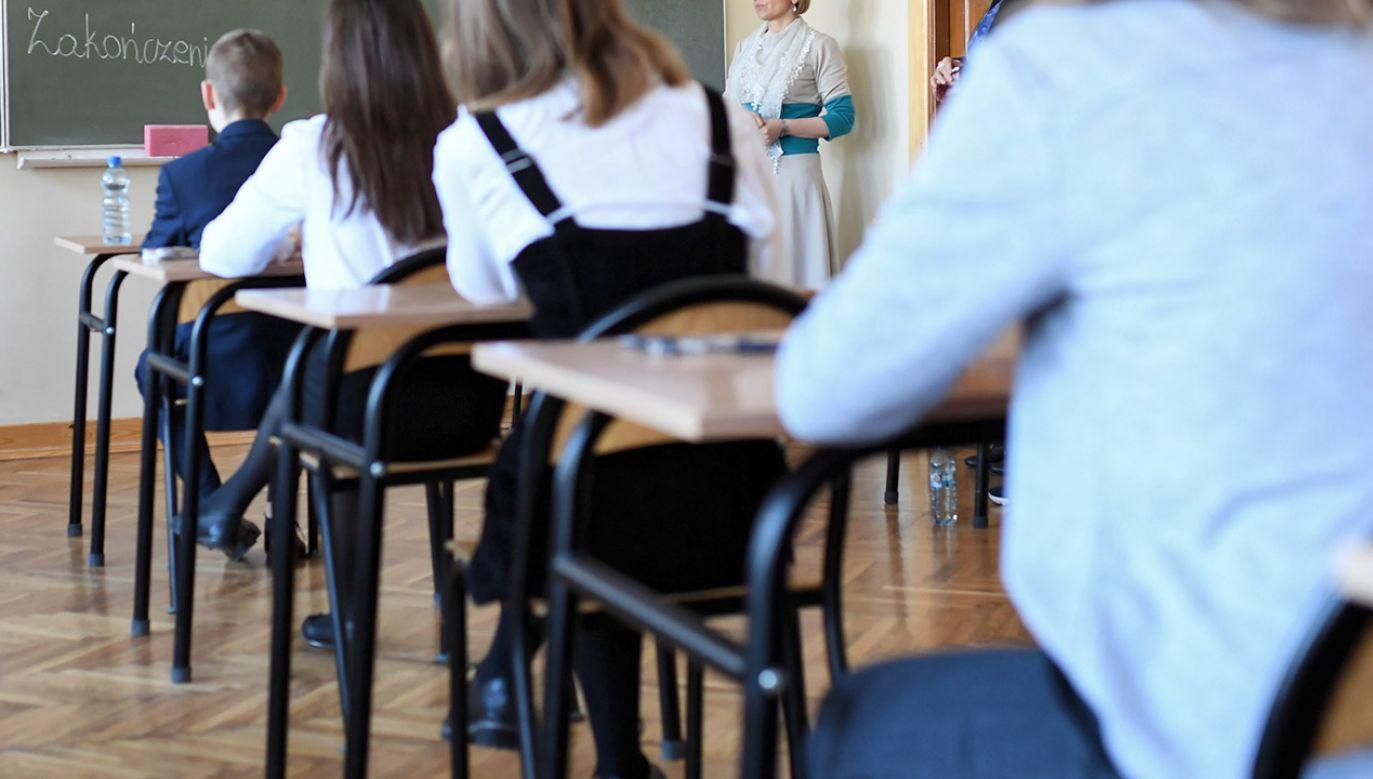 Radni zadeklarowali brak zgody brak zgody na edukację seksualną w myśl standardów WHO (fot. PAP/Wojciech Pacewicz, zdjęcie ilustracyjne)