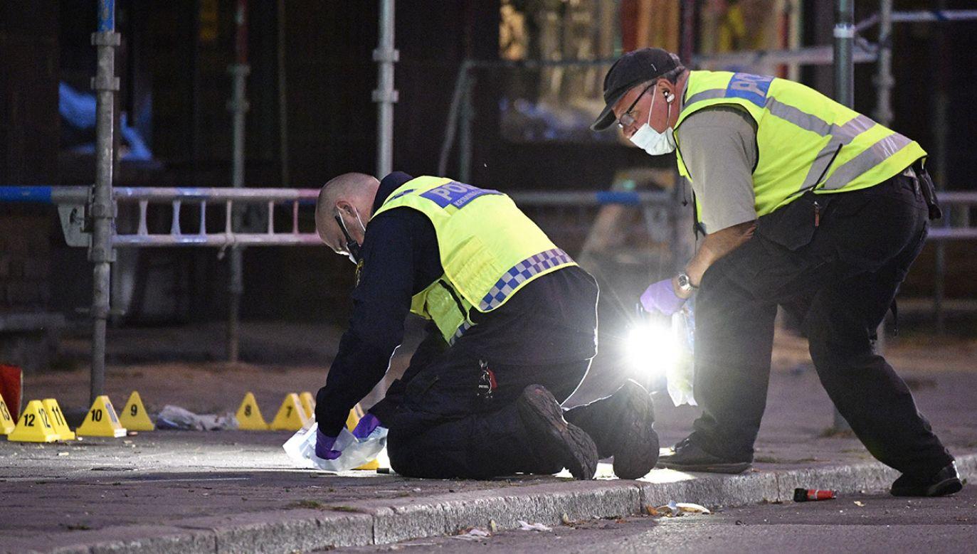 Policja jako motyw strzelaniny bierze pod uwagę zemstę między zwaśnionymi gangami (fot. PAP/EPA/Johan Nilsson/TT)