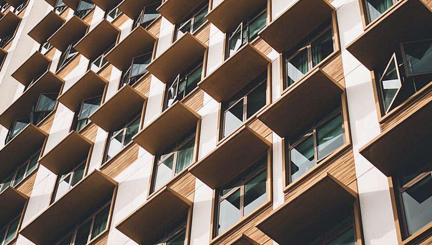 Inwestowanie w nieruchomości jest uważane za najlepszą metodę lokowania pieniędzy (fot. Pexels)
