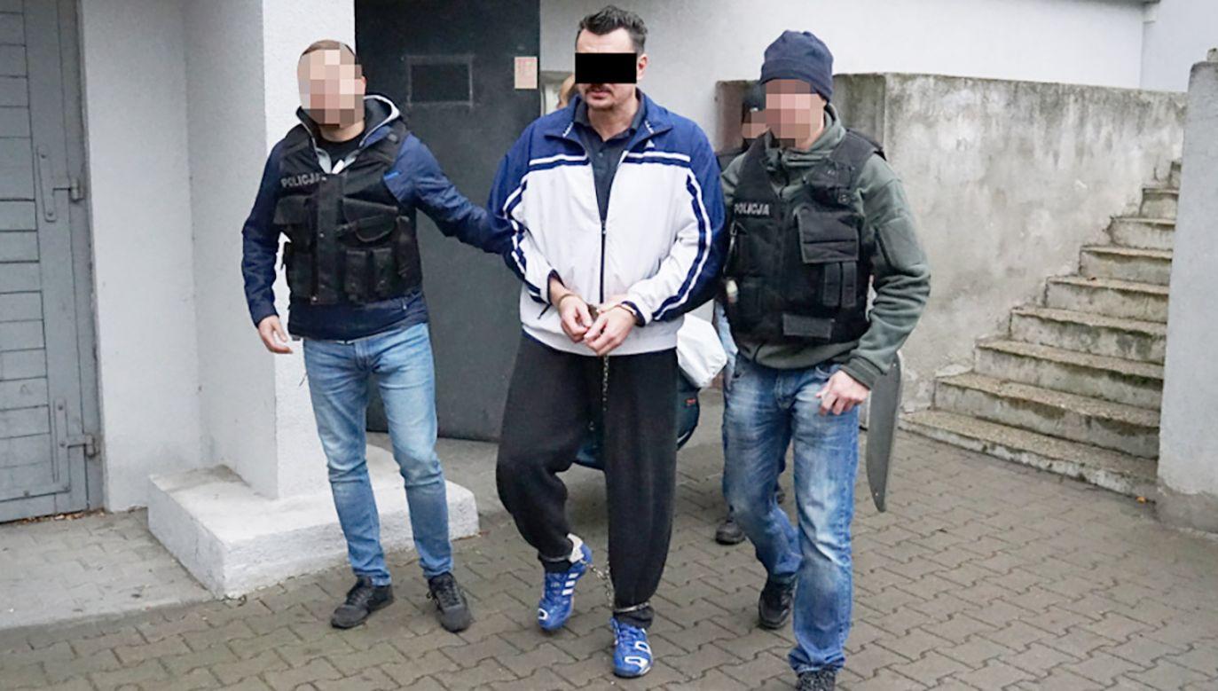W chwili zatrzymania gangster był sam i nie stawiał oporu (fot. KMP w Bydgoszczy)