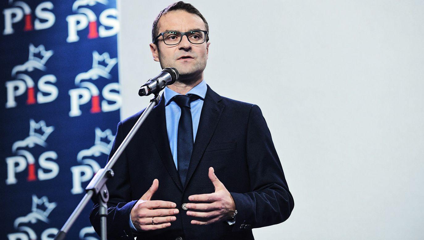 Tomasz Poręba skomentował opublikowane przez portal TVP.Info nagrania (fot. PAP/Marcin Obara)