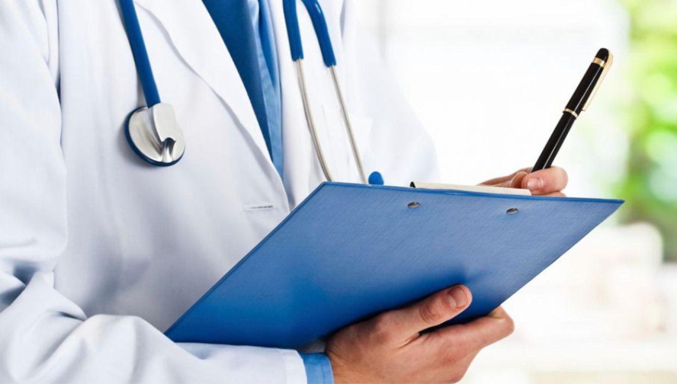 Lekarze mogą liczyć na coraz wyższe zarobki (fot. Pexels)