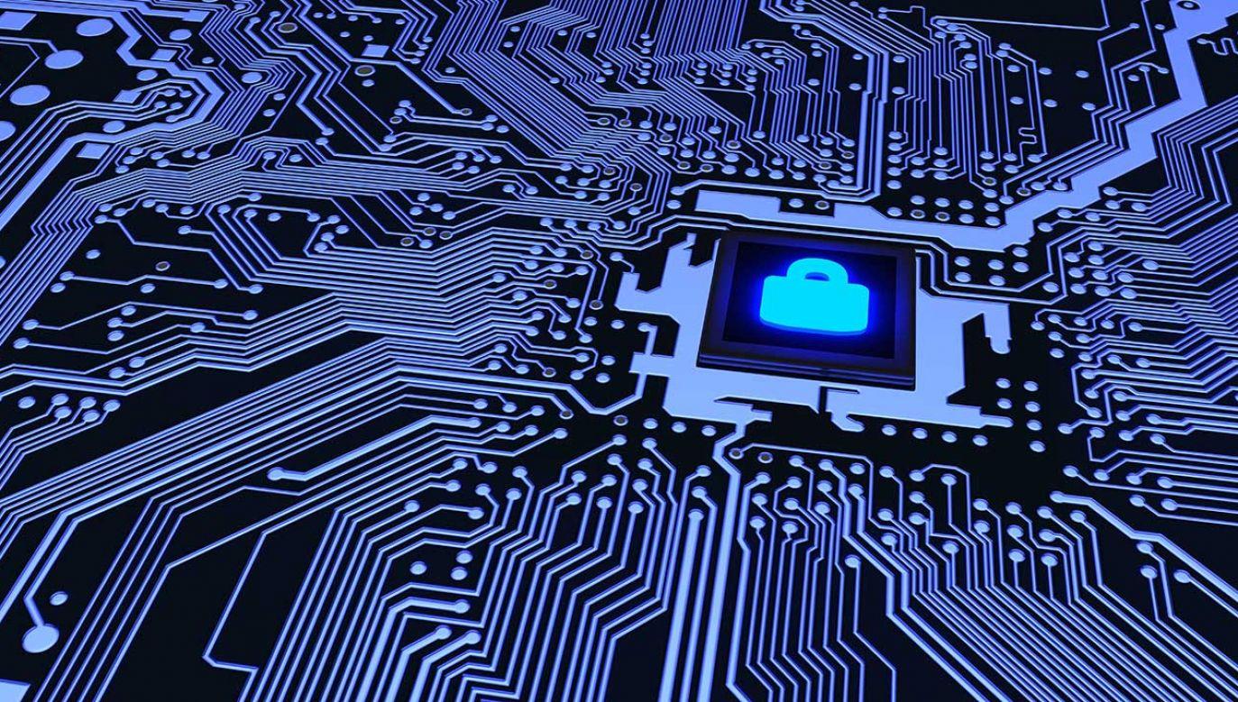 BRAVO-CRP to drugi z czterech stopni skali dotyczącej zagrożeń cyberbezpieczeństwa (fot. Shuitterstock/ BeeBright)