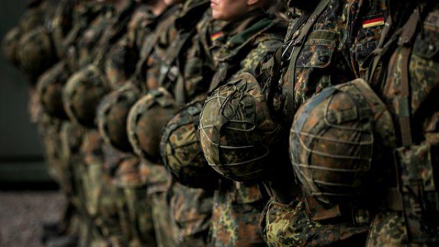 Siłom zbrojnym Niemiec brak nie tylko czołgów, ale także kamizelek kuloodpornych (fot. Florian Gaertner/Photothek via Getty Images)
