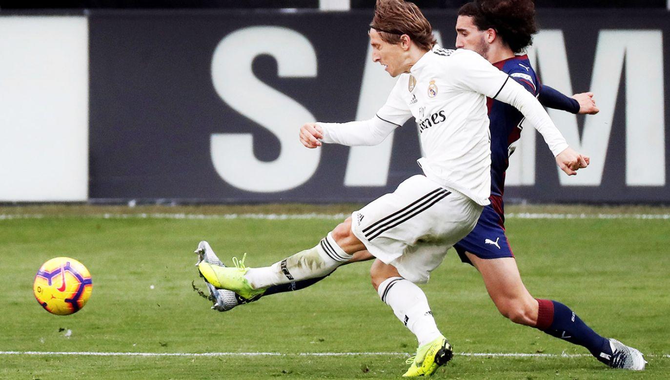 Luka Modrić występuje na co dzień w Realu Madryt (fot. PAP/EPA/JAVIER ETXEZARRETA)