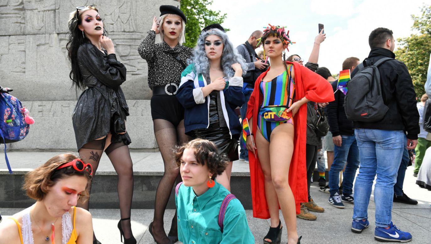 W sobotę w Gdańsku odbył się piąty Trójmiejski Marsz Równości (fot. PAP/Adam Warżawa)