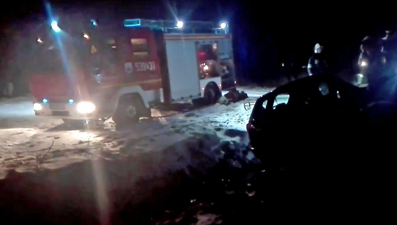 W akcji ratunkowej uczestniczyły cztery zastępy strażaków (fot. YouTube/Ostrów na sygnale)