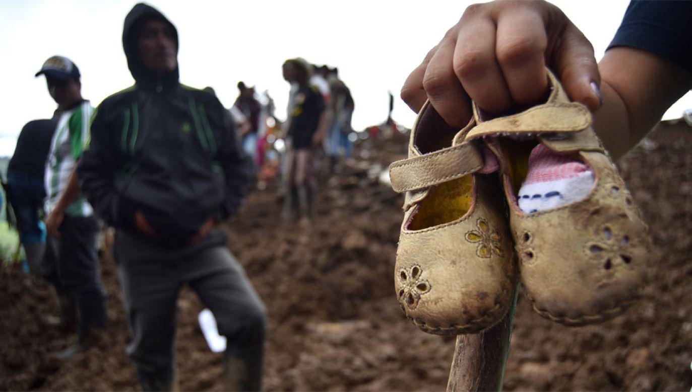 W akcji ratunkowej pomaga wojsko (fot. PAP/EPA/Ernesto Guzman Jr)