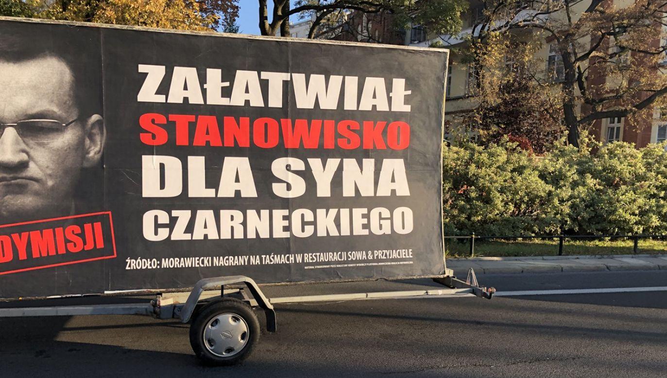 """Według Marcina Kierwińskiego rozpoczęta w niedzielę akcja ma pokazywać """"jaki naprawdę jest Mateusz Morawiecki, jakim jest człowiekiem"""" (fot. TT/@mswitczak)"""