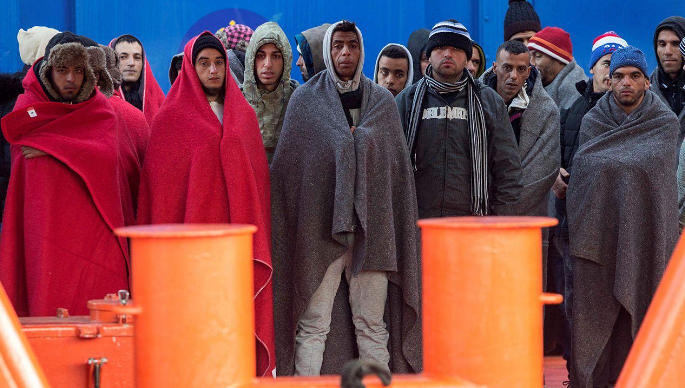 Najmłodsi migranci mają lepszą opiekę społeczną i trudniej ich deportować (fot. PAP/EPA/MARCIAL GUILLEN)