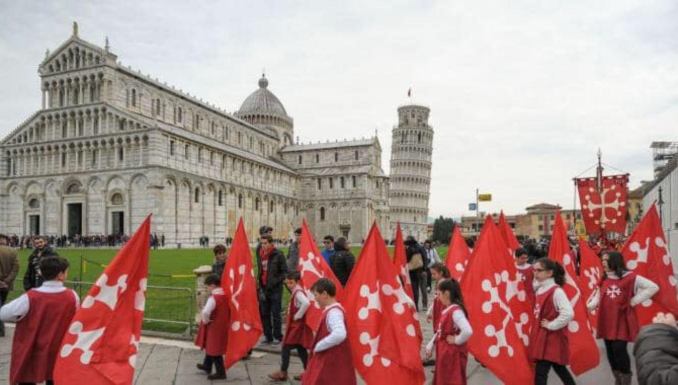 25 marca historyczny orszak przejdzie ulicami do katedry, gdzie w południe odbędzie się kulminacyjna ceremonia (fot. fb/Sei di Pisa se.)