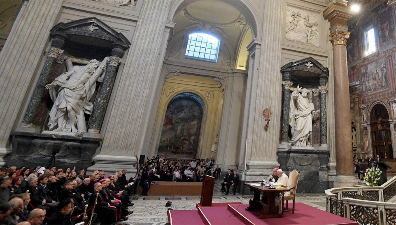 Biskupi przez trzy dni spotykali się z papieżem Franciszkiem (fot. PAP/EPA/CLAUDIO PERI)