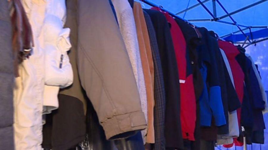"""d056781a76 Wymiana ciepła"""". Przemyśl ubiera potrzebujących ciepłej odzieży ..."""