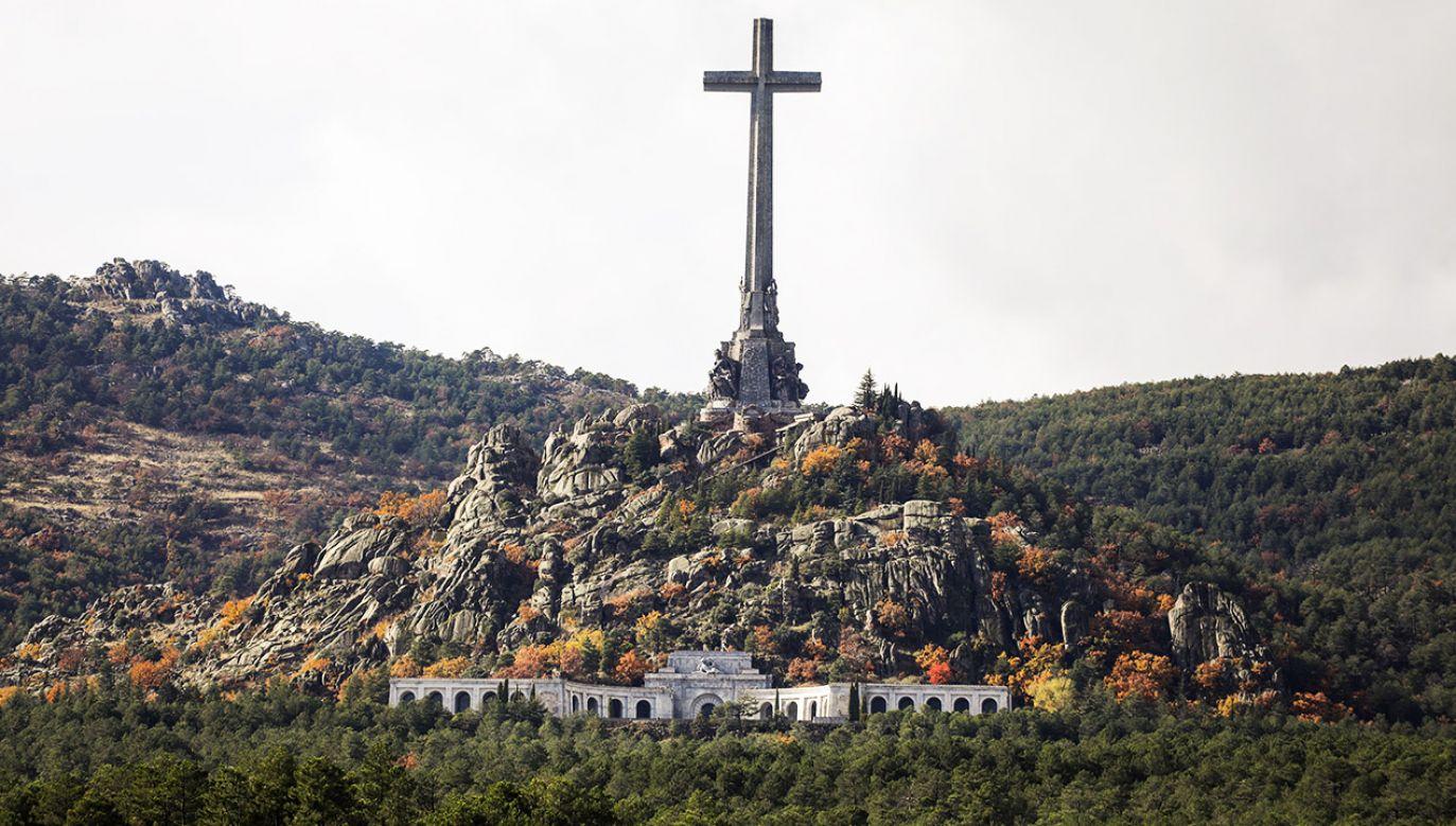 Zwłoki generała nie będą mogły zostać złożone w stołecznej katedrze Almudena (fot. REUTERS/Sergio Perez)