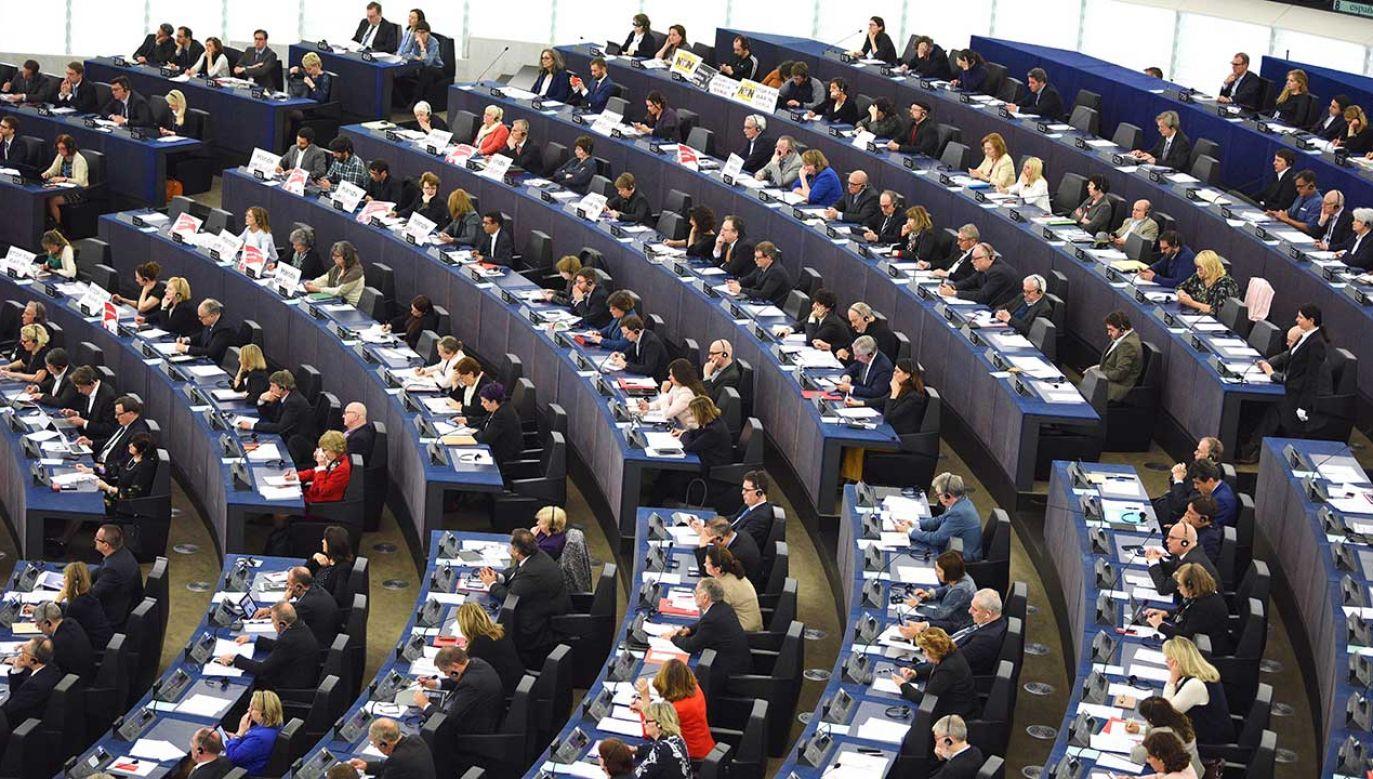 Zdaniem europosła Tomasza Poręby ma miejsce erozja partii w PE (fot. Andia/UIG/Getty Images)