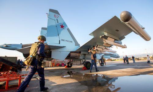 Myśliwiec Su-35 w rosyjskiej bazie wojskowej w Hmemim. Fot. Getty Images/Marina Lystseva/TASS