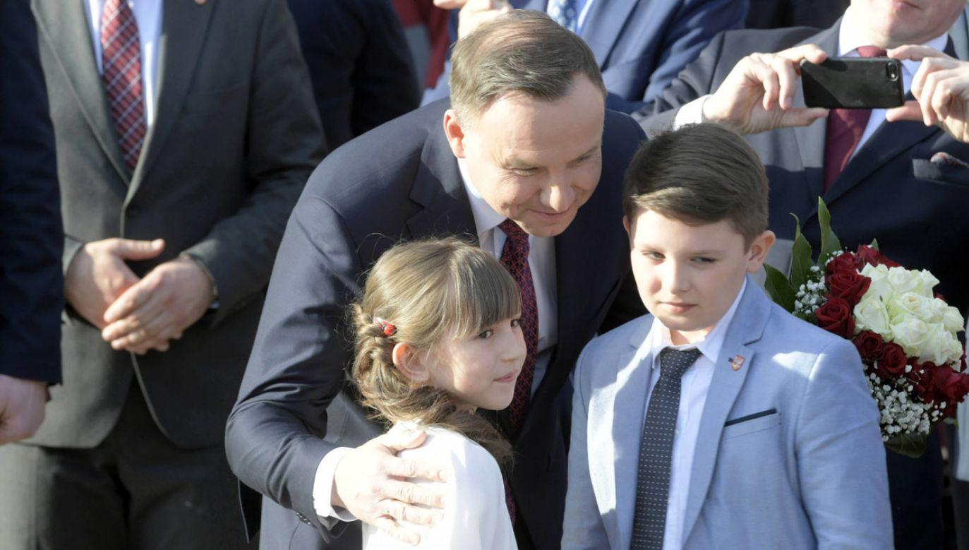 Prezydent Andrzej Duda podczas spotkania z mieszkańcami powiatu kolskiego (fot. arch. PAP/ Grzegorz Michałowski)