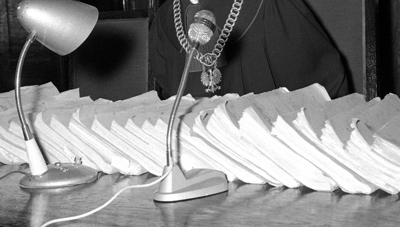 SN 20 grudnia 2007 r. uznał, że sędziowie z lat 80. musieli stosować dekret o stanie wojennym z 1981 r. m.in. dlatego, że nie było wtedy mechanizmu oceny konstytucyjności ustaw (fot. arch. PAP/Bolesław Miedza)