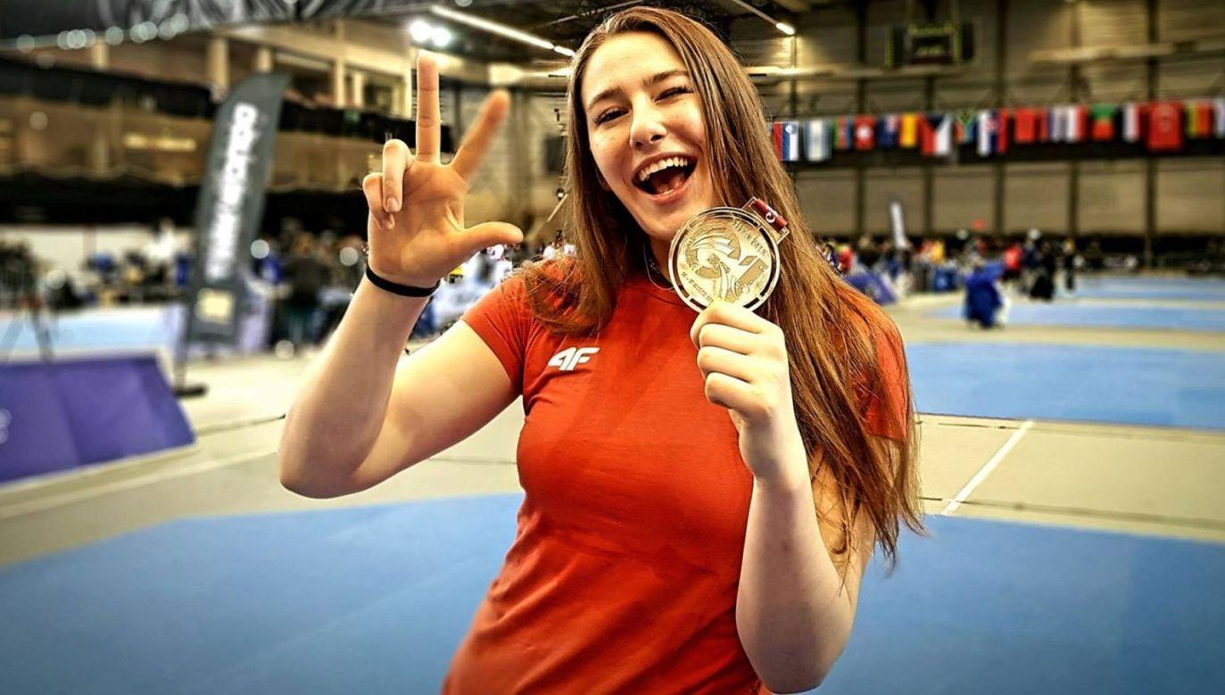 Aleksandra Kowalczuk ze złotym medalem Pucharu Świata (Fot. Facebook/Aleksandra Kowalczuk)