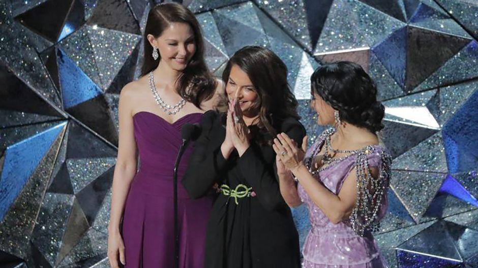 Aktorki Ashley Judd, Annabella Sciorra i  Salma Hayek (fot. REUTERS/Lucas Jackson)