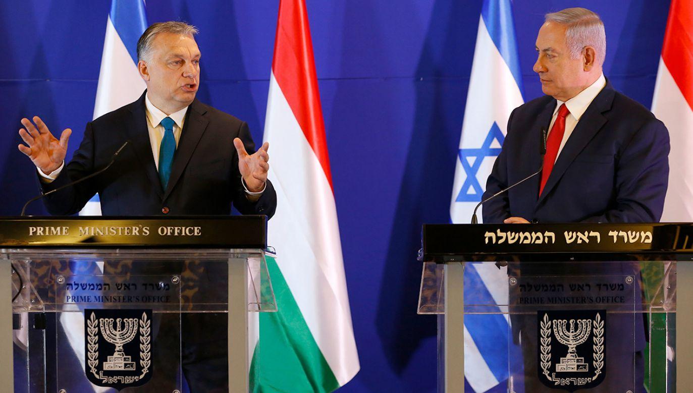 Premier Węgier wystąpił na konferencji prasowej wspólnie z premierem Izraela Benjaminem Netanjahu (fot. PAP/EPA/ARIEL SCHALIT / POOL)