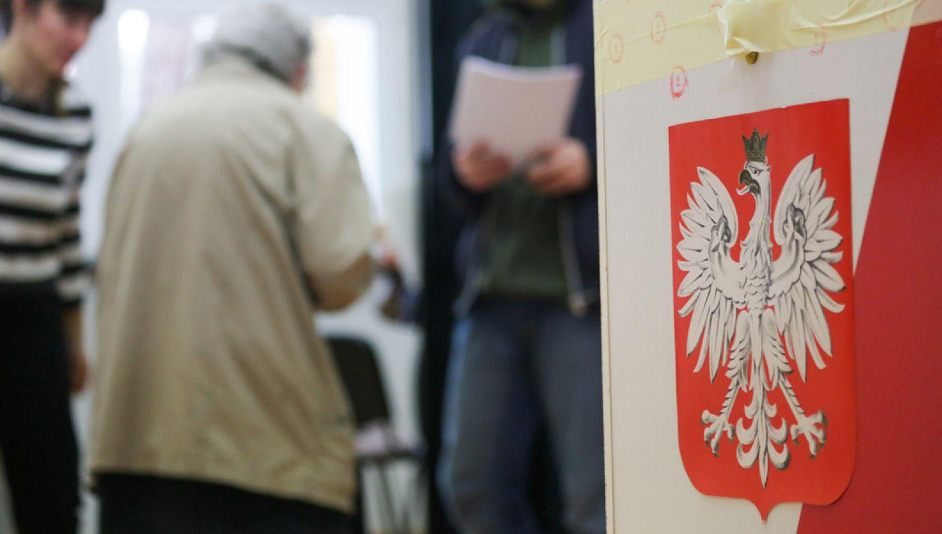 """Niektóre partie mogą chcieć """"podpompować"""" głosy (fot. arch.PAP/Leszek Szymański)"""
