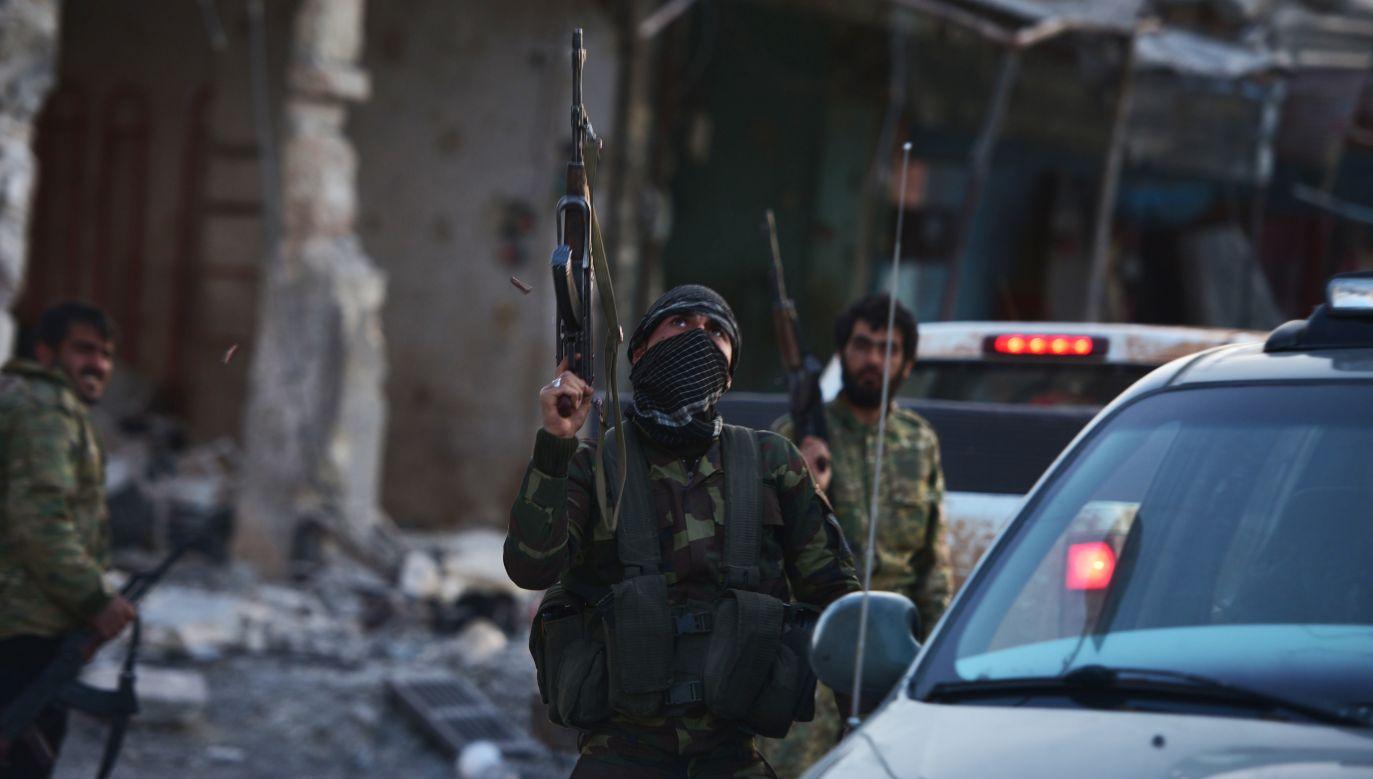 Rosjanie przeprowadzili ponad 40 tysięcy ataków bombowych, trafiając w ponad 120 tysięcy obiektów, zajmowanych przez terrorystów (fot. Huseyin Nasir/Anadolu Agency/Getty Images)
