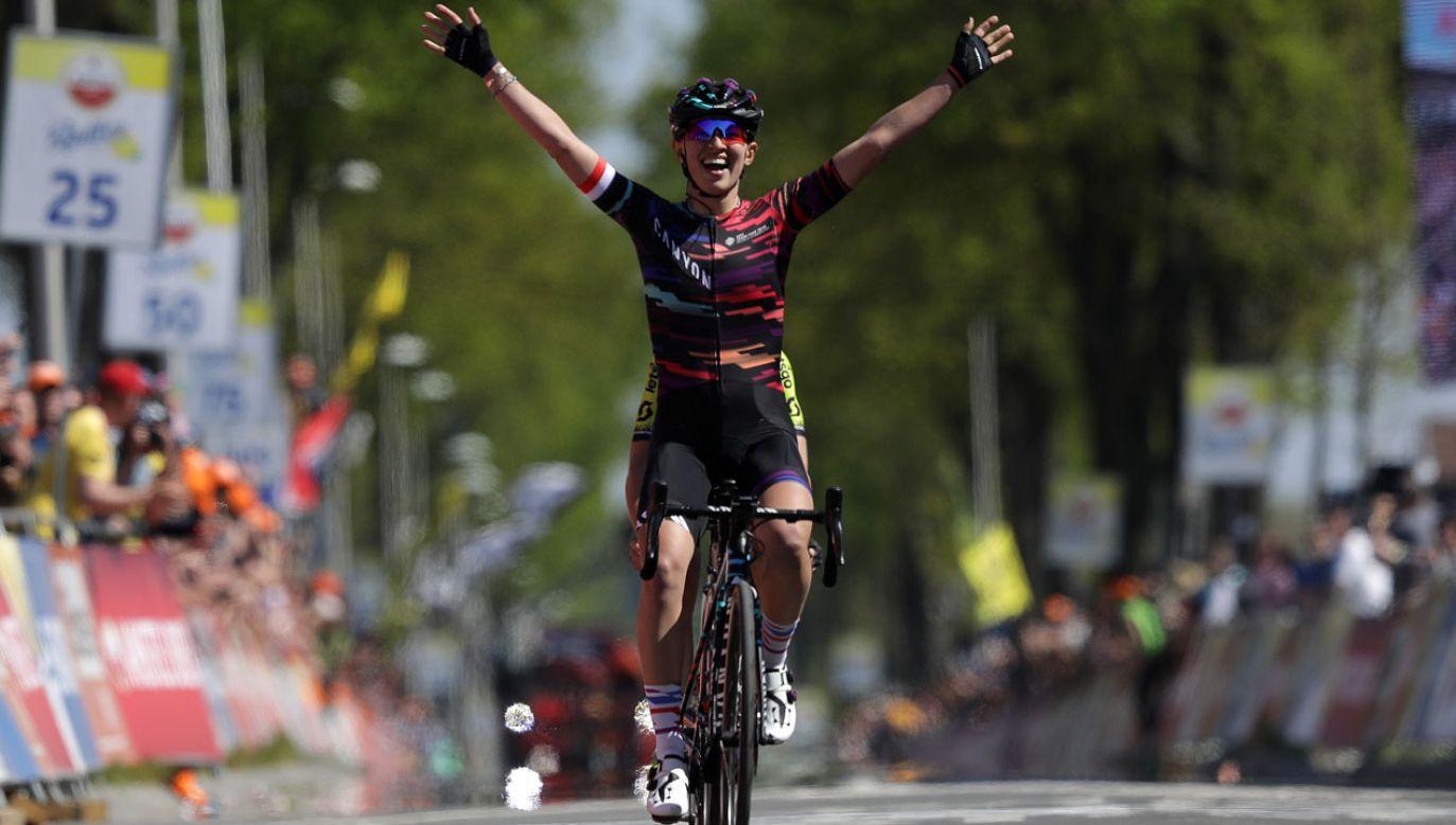 Katarzyna Niewiadoma na mecie wyścigu Amstel Gold Race (fot. Gonzalo Arroyo Moreno/Getty Images)