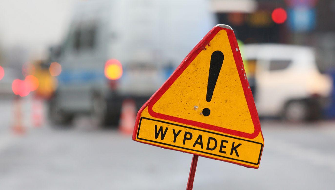 Aleja Waszyngtona jest zamknięta dla ruchu w obydwu kierunkach (fot. arch.PAP/Leszek Szymański, zdjęcie ilustracyjne)