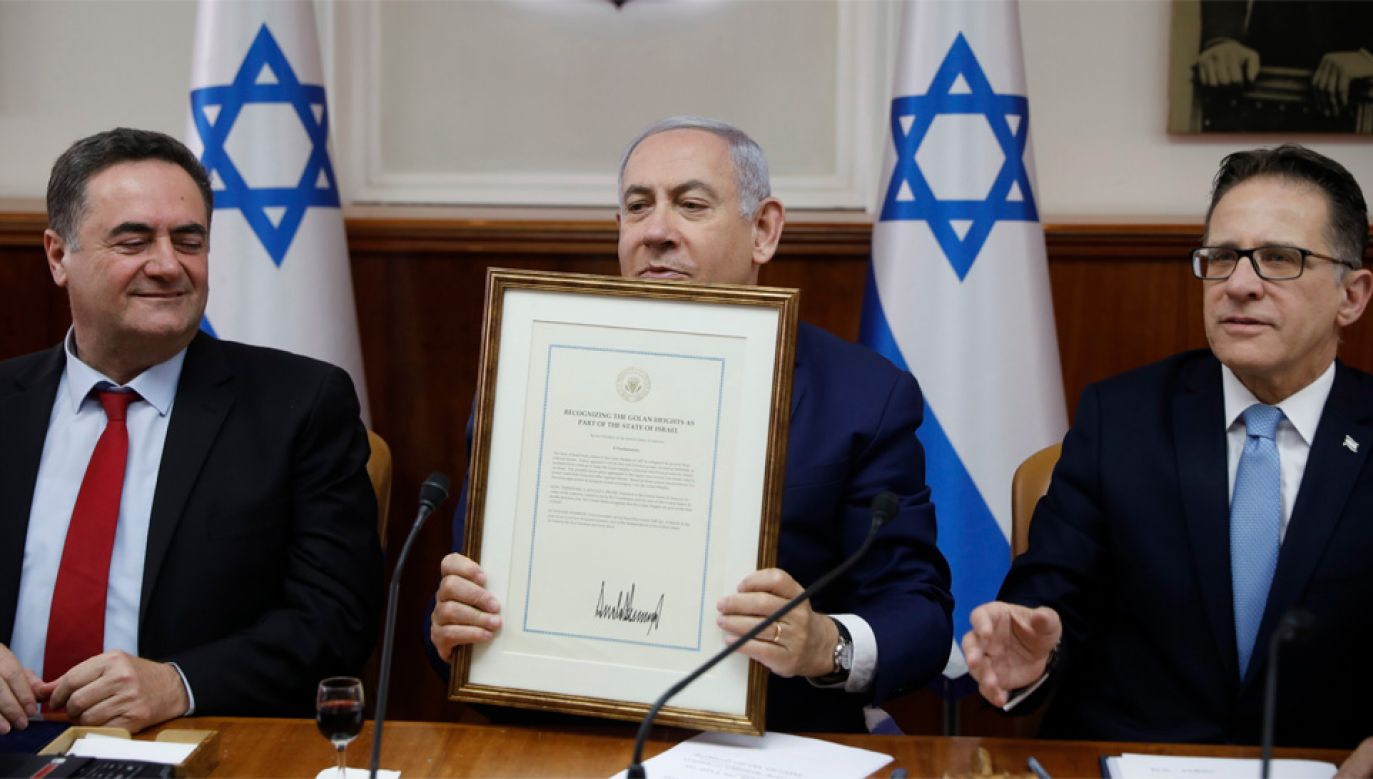 Deklaracja Donalda Trumpa pomogła Benjaminowi Netanjahu wygrać wybory (fot. PAP/EPA/RONEN ZVULUN / POOL)