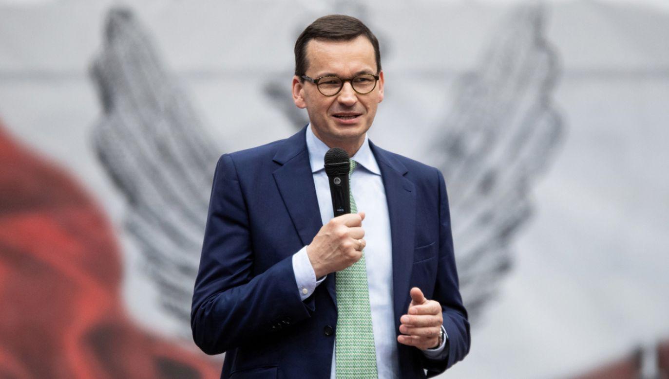 """Premier Morawiecki odpowiadając na pytania członków klubów """"GP"""" (fot. PAP/Marek Kliński)"""