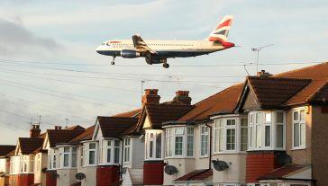 Lider branży lotniczej rozważa wycofanie się z planów produkcji skrzydeł w brytyjskich fabrykach (fot. REUTERS/Matthew Childs)