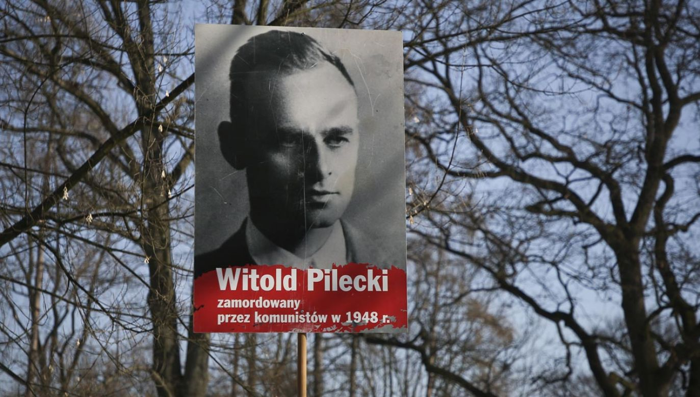 Rtm. Pilecki został aresztowany przez funkcjonariuszy UB w maju 1947 r.; był torturowany; 15 marca 1948 r. skazano go na karę śmierci (fot.  Beata Zawrzel/NurPhoto via Getty Images)
